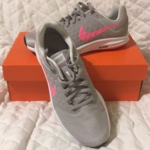 Nike Downshifter. NWT